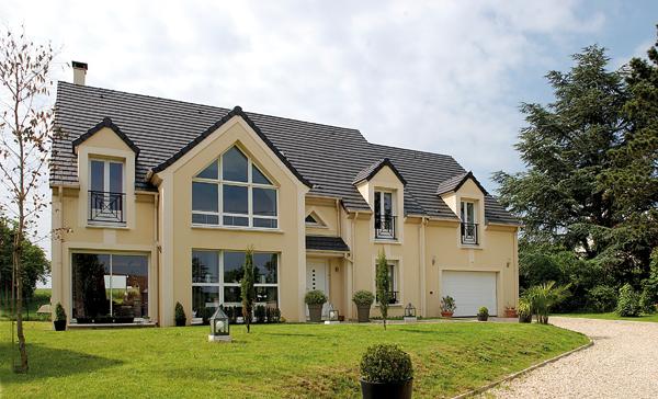 Mezzanine salon d caiss et puits de lumi re bien construire - Maison style francaise ...