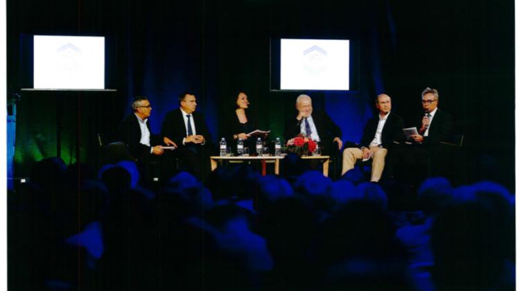Table ronde  « Choc de simplification : aller plus loin ? », avec Jérôme Fousse (CTVL), David Marquet (Sodéarif), Serge Le Fur (Villa Tradition), Jean-Louis Dumont (député de la Meuse), Olivier Carré (député du Loiret).