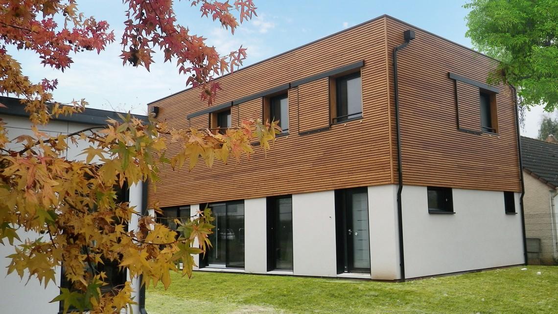 Comment se construit une maison en bois bien construire for Se construire une maison