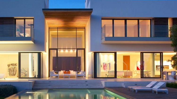 maison-en-bois-piscine-1400x463